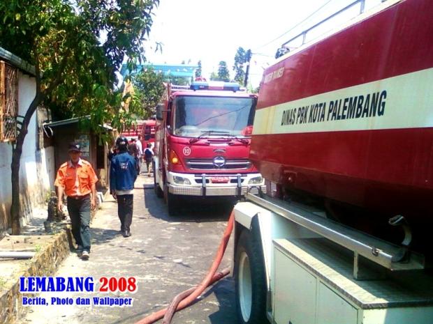 Photo: Koleksi LEMABANG 2008. Musibah kebakaran yang terjadi di Jl Yos